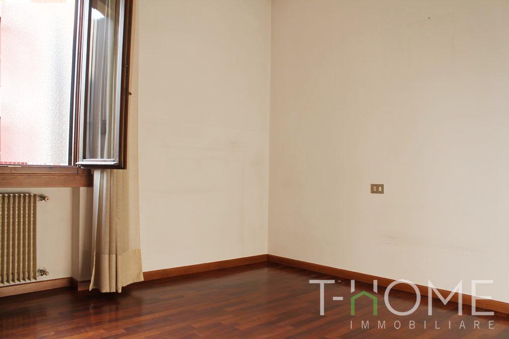 Img 5523 t home immobiliare - Responsabilita agenzia immobiliare ...
